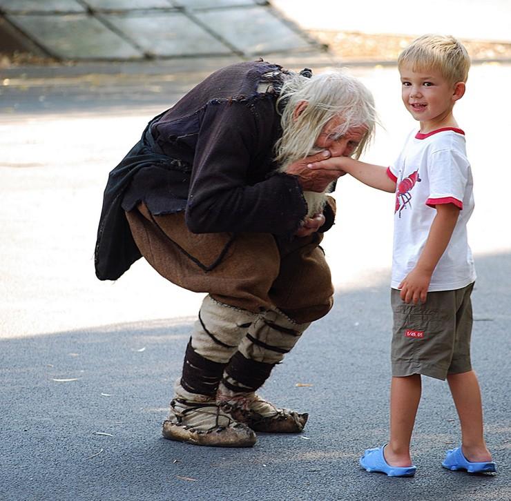 16 khoảnh khắc ấm áp chứng tỏ người tốt vẫn còn đầy trên thế gian này - Ảnh 27.