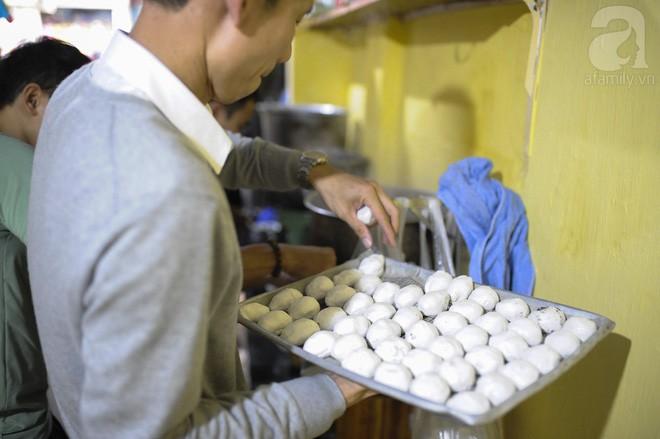 Bánh trôi tàu nhà bác Phạm Bằng mở lại: Đúng vị xưa và đã giảm ngọt hơn trước