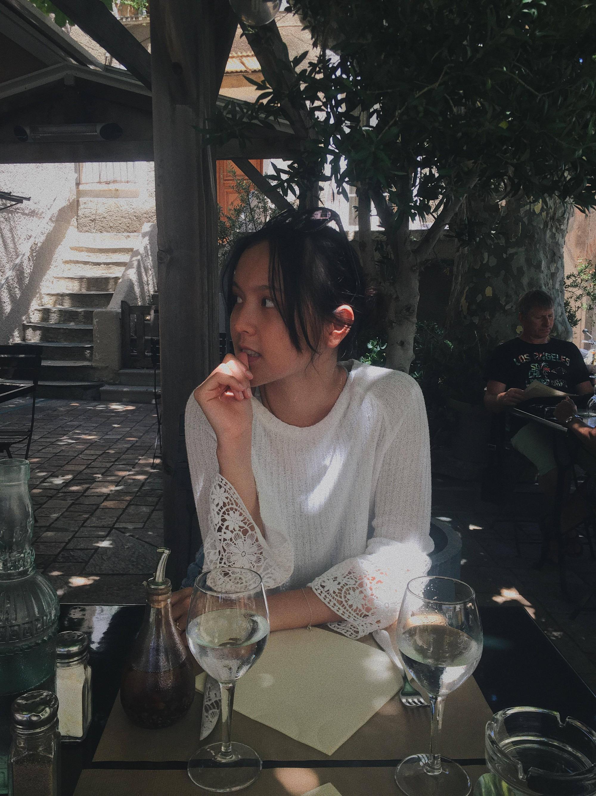 Những chuyến đi châu Âu của hot girl khiến dân tình đứng ngồi không yên vì ảnh đẹp - Ảnh 21.