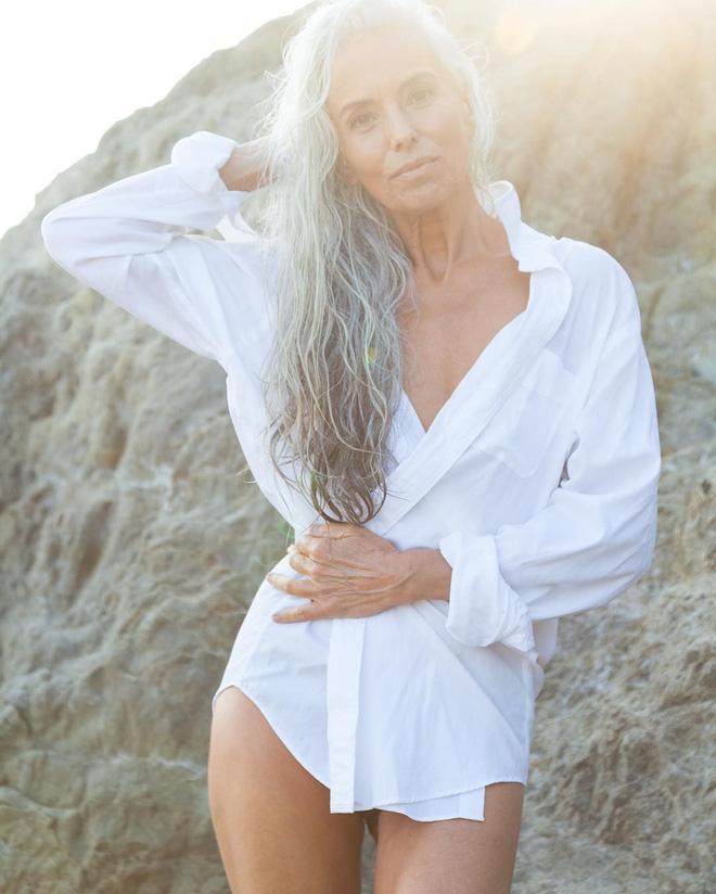 """Bà lão 60 nuột nà khoe dáng trong quảng cáo áo tắm và bí quyết giữ gìn thanh xuân """"rẻ như không"""" - Ảnh 8."""