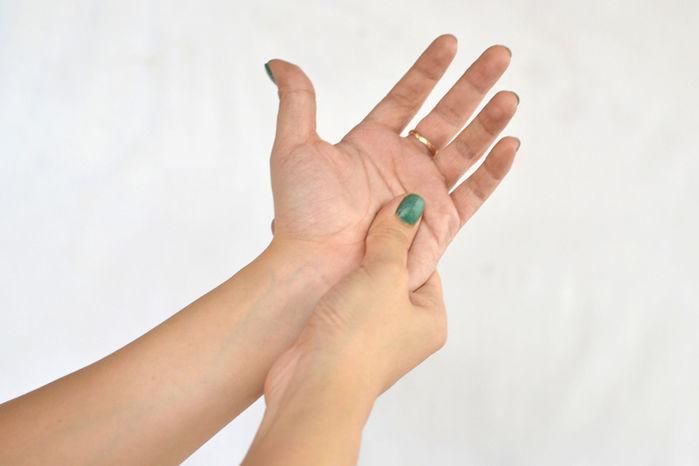 Mẹo đẩy lùi các triệu chứng, cơn đau thường gặp của cơ thể mà không cần dùng thuốc