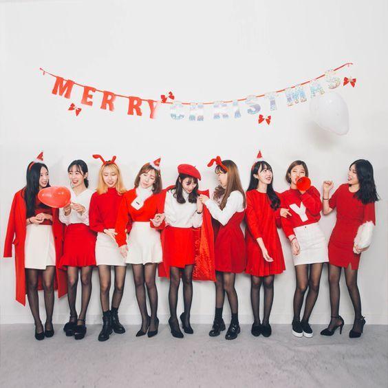 """Với cách mix đồ Giáng sinh """"cute lạc lối"""" này, cần gì có người yêu, chỉ cần hội bạn thân là đủ rồi!"""