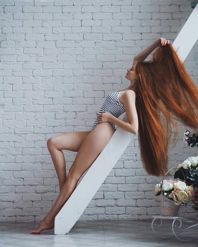 Từng bị rụng tóc đến hói cả đầu, nhờ những bí quyết nhỏ này cô gái Nga đã trở thành nàng Rapunzel đời thực vạn người mê - Ảnh 5.