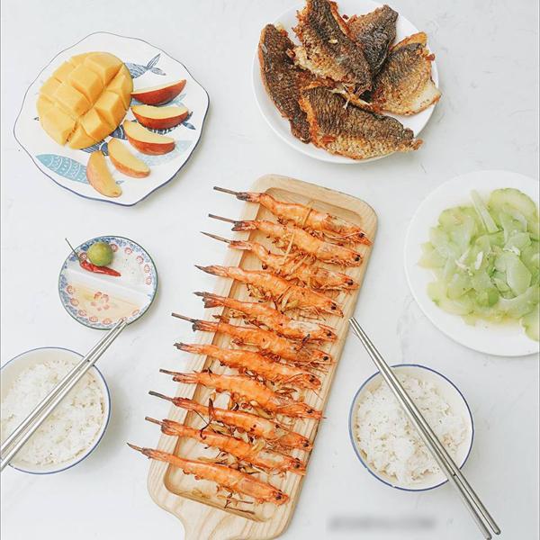 Mỗi bữa ăn mất khoảng 5-10 phút để sắp xếp, bày biện.