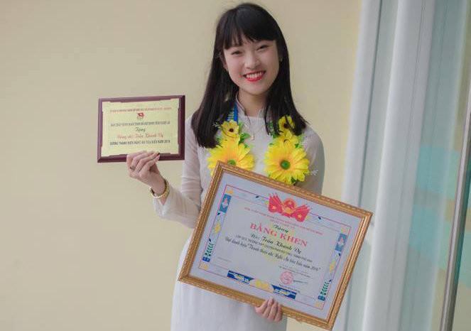 Thành tích học tập đáng nể của Khánh Vykhi còn là học sinh cấp 3