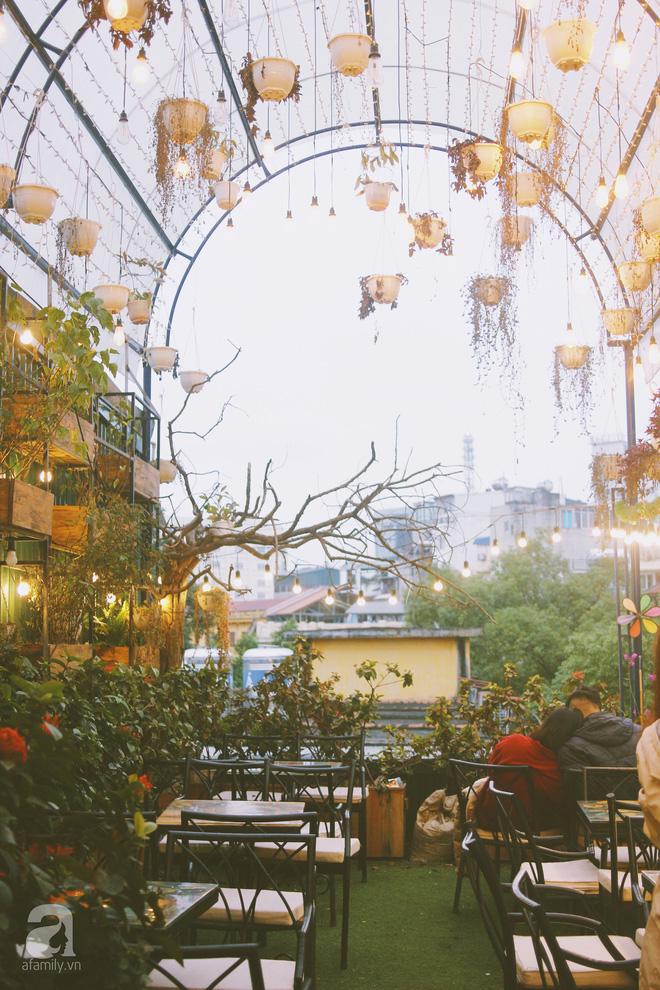 5 quán cafe vừa ấm cúng, vừa đẹp long lanh nên đến ngay trong mùa Giáng sinh - Ảnh 40.