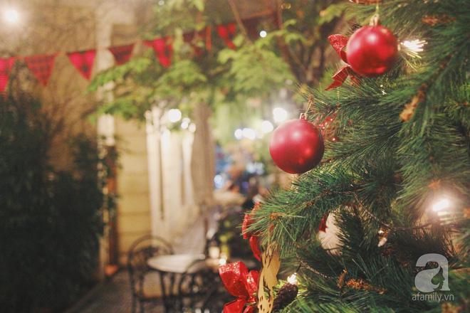 5 quán cafe vừa ấm cúng, vừa đẹp long lanh nên đến ngay trong mùa Giáng sinh - Ảnh 1.