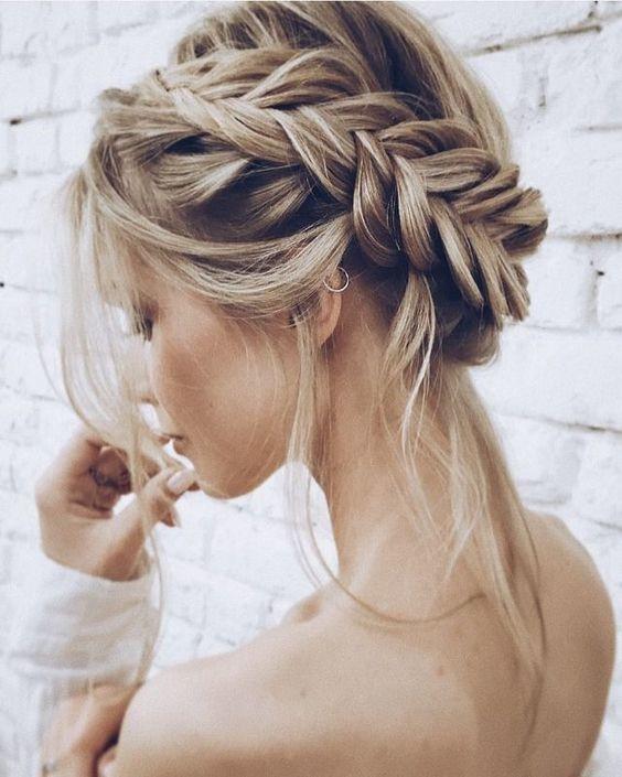 Những kiểu tóc vừa đẹp cho ngày cưới vừa hợp đi tiệc tùng