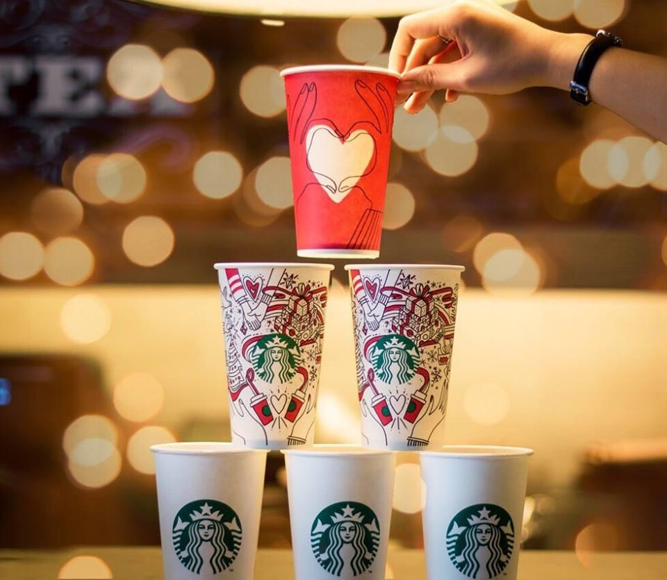 Chỉ cần mua một món đồ uống tại 3 quán cà phê này là bạn đã có thể cầm cả giáng sinh trong tay! - Ảnh 2.