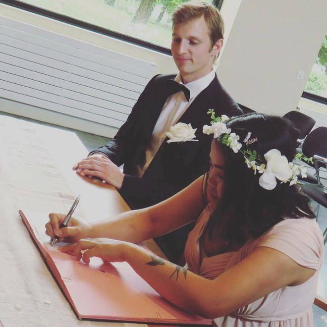 Năm 2017 và những chuyện tình mật ngọt không tưởng về hôn nhân cổ tích - Ảnh 12.