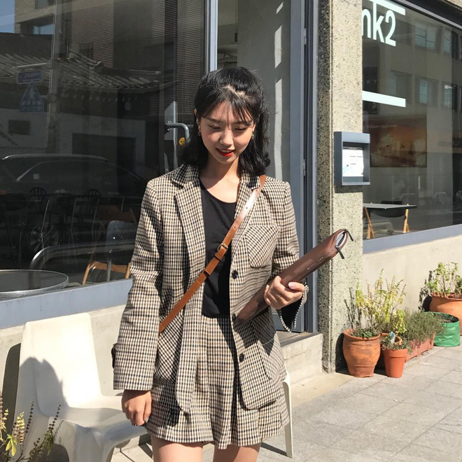 4 công thức mix đồ đơn giản phong cách Hàn Quốc khiến các nàng mê mệt