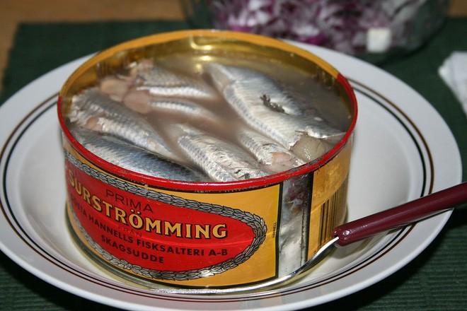 10 đặc sản nổi danh thế giới phải ủ đến bốc mùi, có giòi mới ăn ngon, Việt Nam cũng góp mặt 1 món - Ảnh 18.