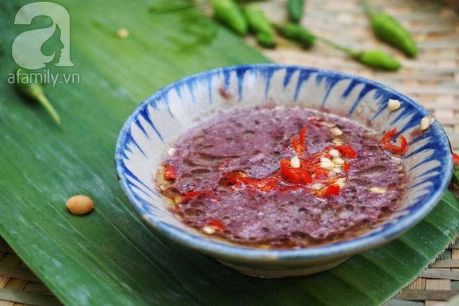 10 đặc sản nổi danh thế giới phải ủ đến bốc mùi, có giòi mới ăn ngon, Việt Nam cũng góp mặt 1 món - Ảnh 10.