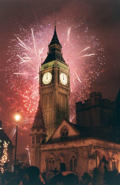 Những phong tục đón năm mới thú vị giúp cầu may mắn ở khắp nơi trên thế giới