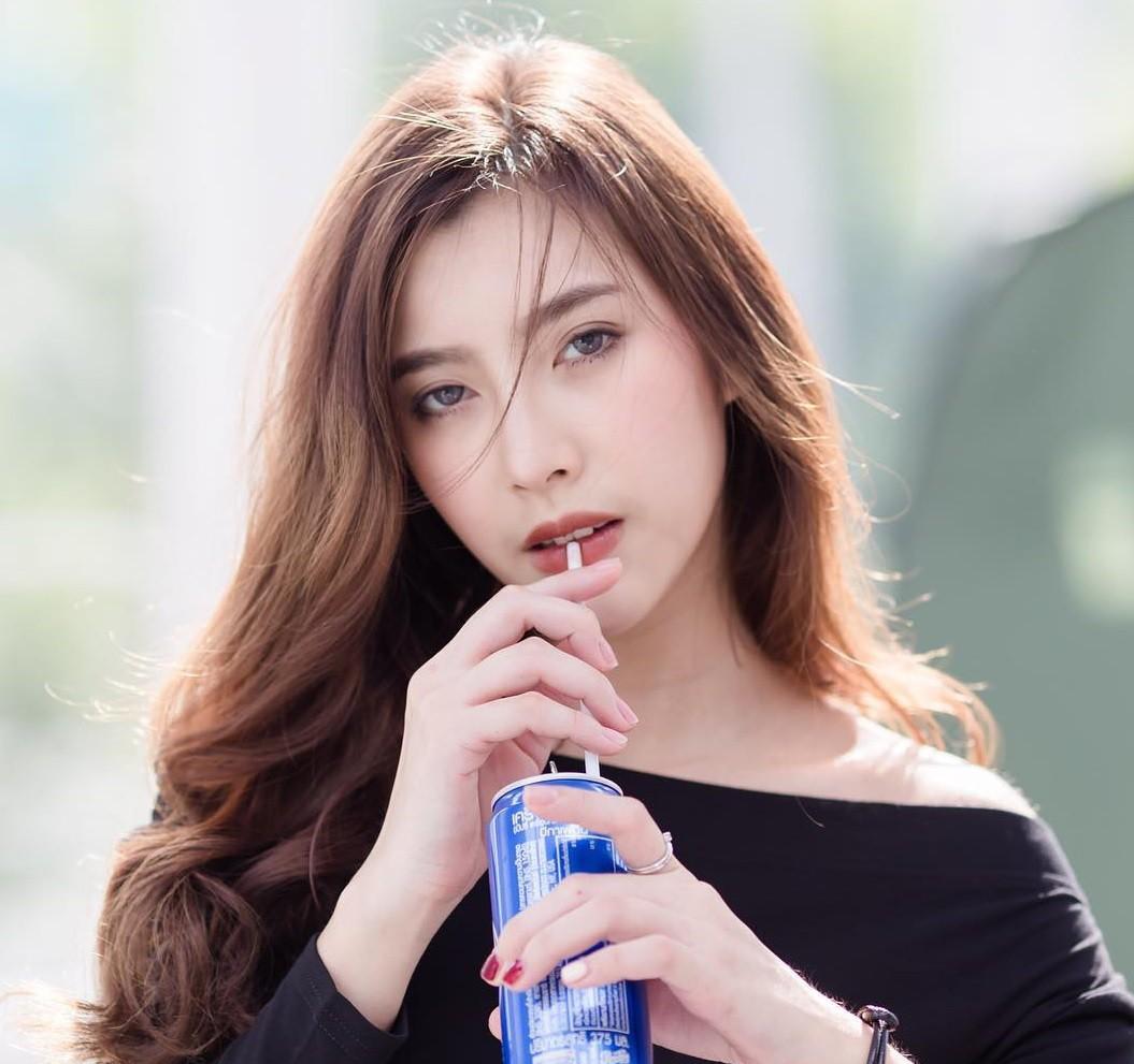Cô bạn Thái Lan xinh đẹp, quyến rũ khó cưỡng khi diện bra đi countdown - Ảnh 3.