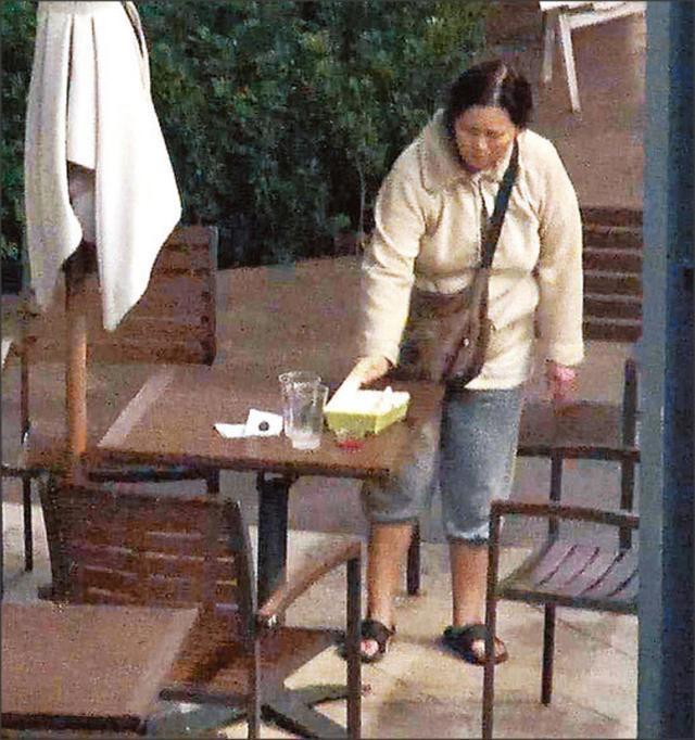 Cuộc sống bi đát của ngọc nữ Hồng Kông Lam Khiết Anh: Nhặt thức ăn thừa, sống nhờ trợ cấp - Ảnh 8.