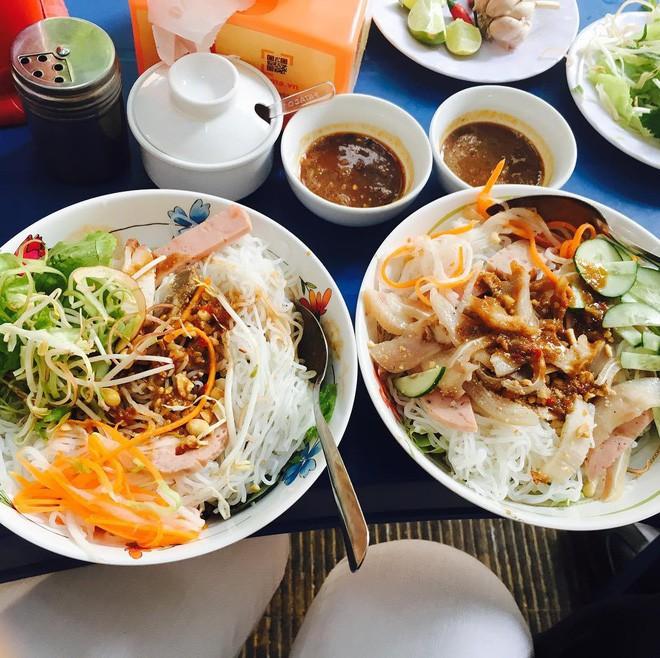 10 món ăn dân dã ngon miễn bàn, nhất định nên nếm cho đủ khi đến Đà Nẵng du lịch Tết này - Ảnh 25.