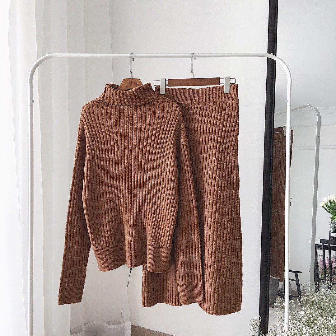 Set áo + váy len đồng màu, công thức hot rần rần sinh ra cho các cô nàng lười nhưng vẫn muốn mặc đẹp mùa đông này - Ảnh 8.
