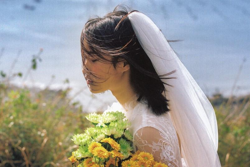 Cô dâu trong album cưới đang rất hot: Xinh trong trẻo nhưng cực sexy! - Ảnh 2.