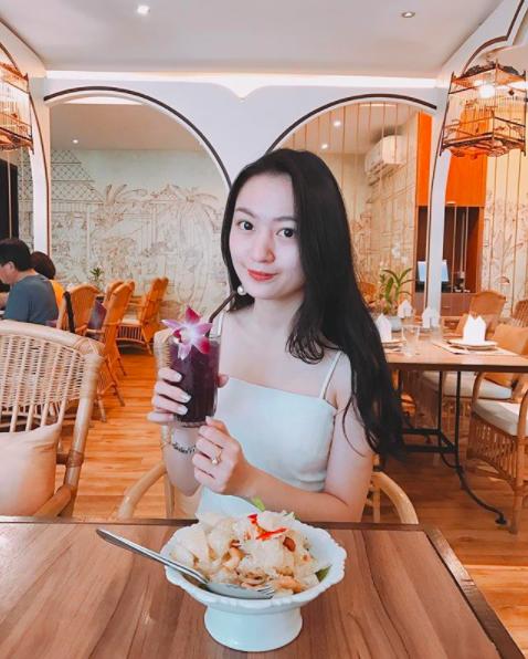Đẳng cấp của thiếu gia Việt: Bạn gái ai cũng xinh không phải dạng vừa! - Ảnh 17.