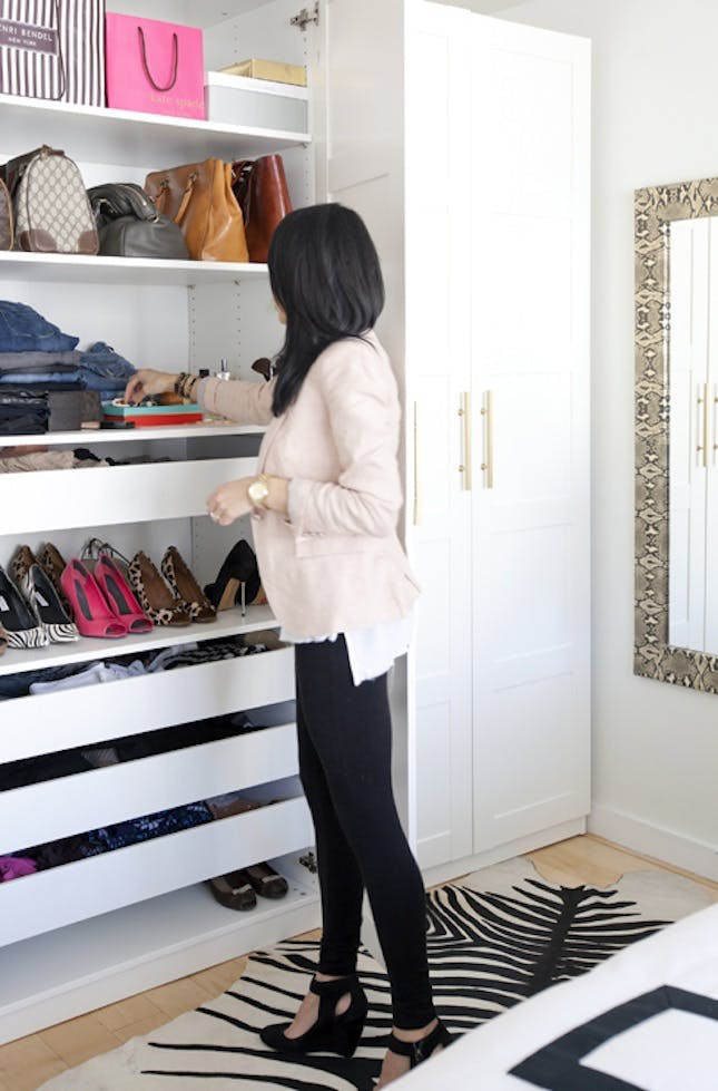 4 kiểu tủ quần áo vô cùng phong cách và tiện lợi cho ngôi nhà của bạn - Ảnh 17.
