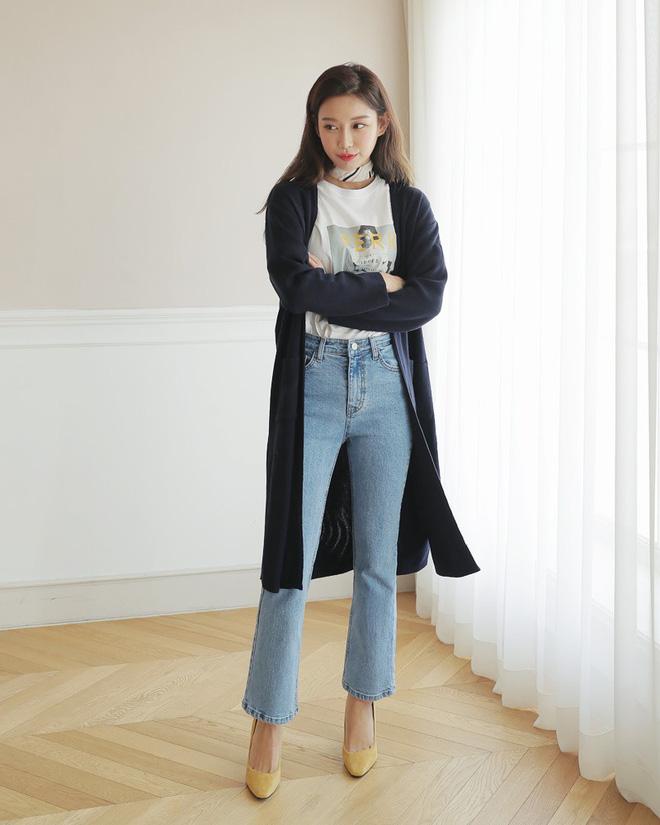 Không phải kiểu bó chít ống côn, xu hướng quần jeans 2018 thoải mái hơn với kiểu ống suông, ống vẩy - Ảnh 13.