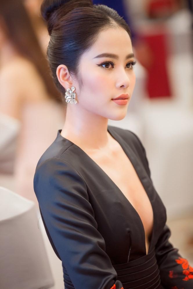 Dàn Hoa hậu, Á hậu gửi lời chúc và đặt cược vào chiến thắng của Hương Giang tại Hoa hậu Chuyển giới Quốc tế - Ảnh 4.