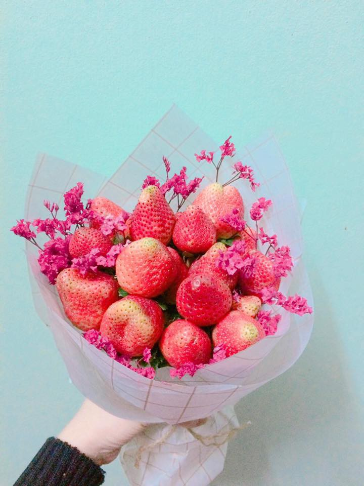 Đặt mua hoa dâu tây trên mạng, cô gái mếu máo khi nhận hàng: Bó này mà tặng mẹ người yêu khéo chia tay! - Ảnh 4.
