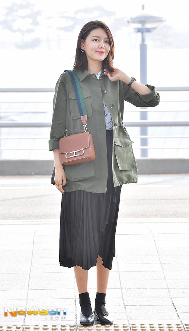 Street style sao tháng 3 báo hiệu màu vàng đang là hot trend khi Chi Pu, Hương Tràm, Văn Mai Hương... đều chọn mặc - Ảnh 15.