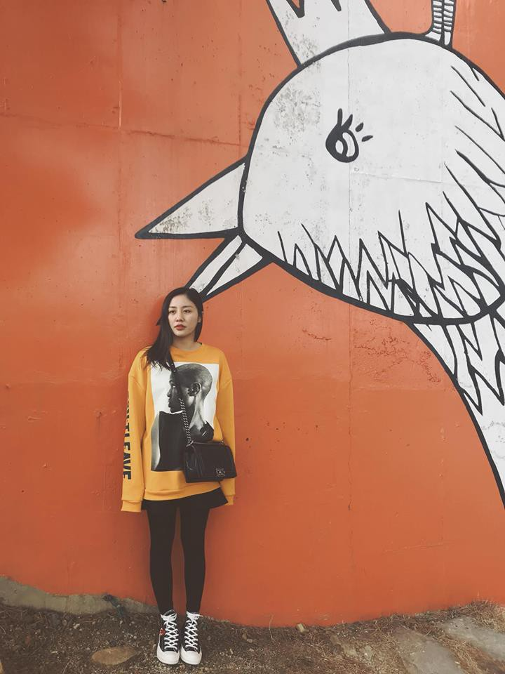 Street style sao tháng 3 báo hiệu màu vàng đang là hot trend khi Chi Pu, Hương Tràm, Văn Mai Hương... đều chọn mặc - Ảnh 4.