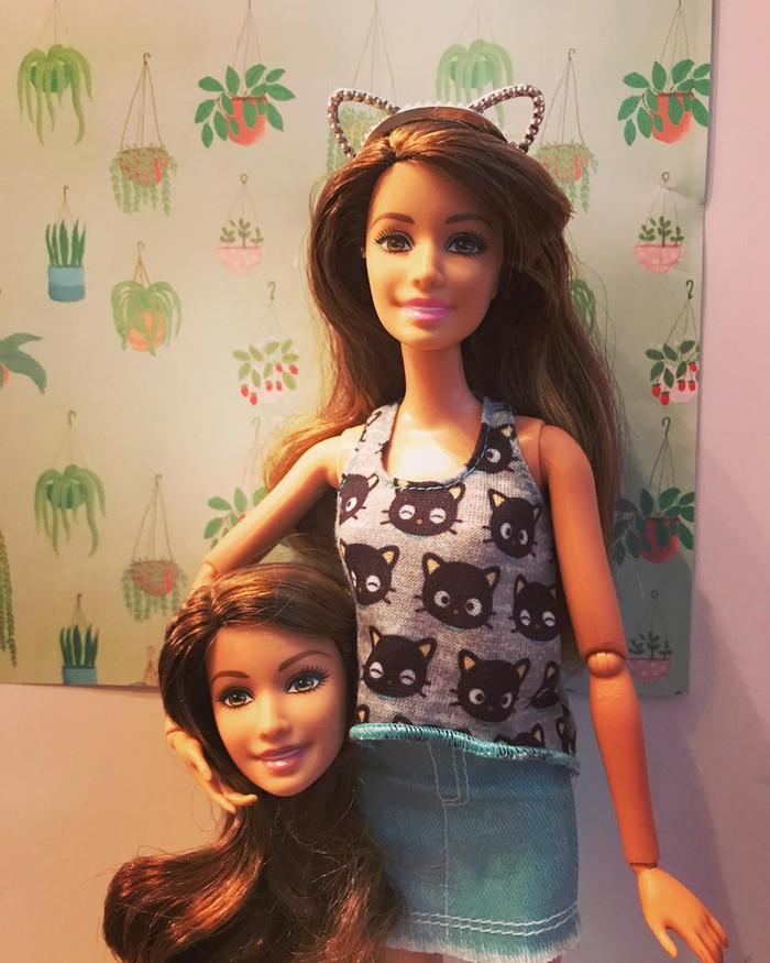 Ngay cả búp bê Barbie cũng sống ảo luôn nè.