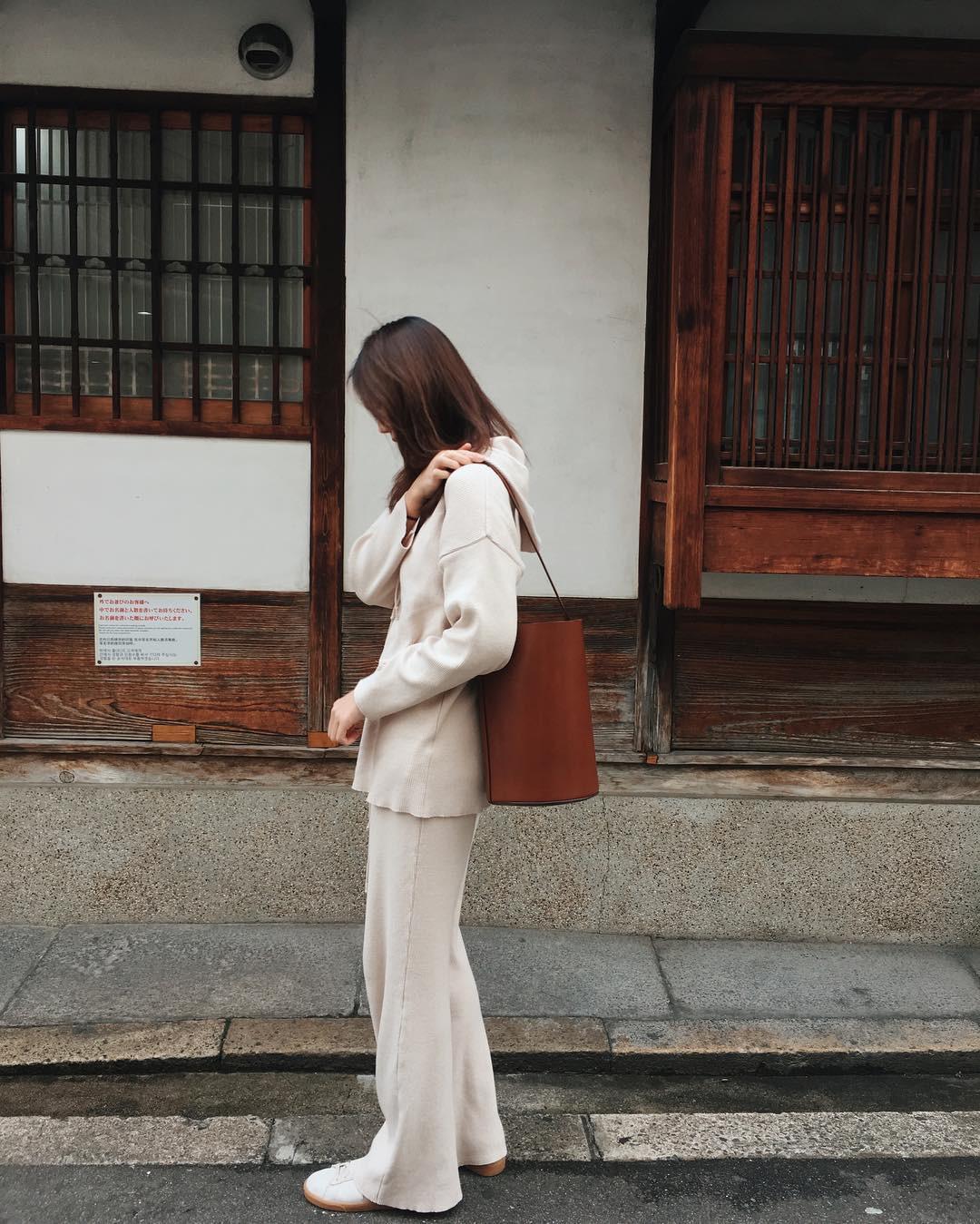 4 kiểu túi hot nhất mùa Xuân Hè này mà bạn nên sắm để diện đồ đẹp hơn và chụp hình ảo hơn - Ảnh 11.