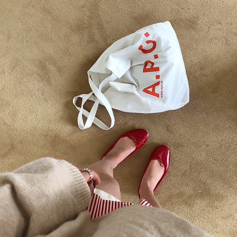 4 kiểu túi hot nhất mùa Xuân Hè này mà bạn nên sắm để diện đồ đẹp hơn và chụp hình ảo hơn - Ảnh 12.