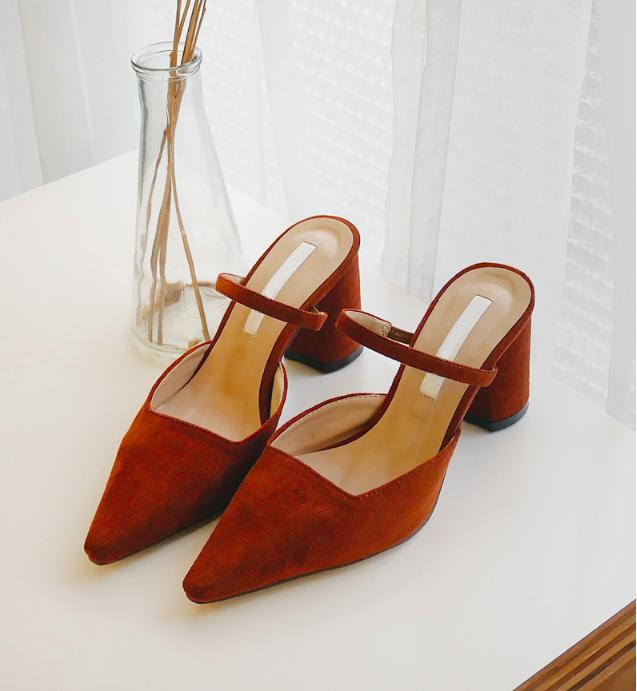 Không phải sneaker, giày khuyết gót là món đồ nàng công sở cần sắm ngay trong hè này - Ảnh 7.