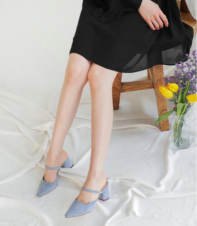Không phải sneaker, giày khuyết gót là món đồ nàng công sở cần sắm ngay trong hè này - Ảnh 13.
