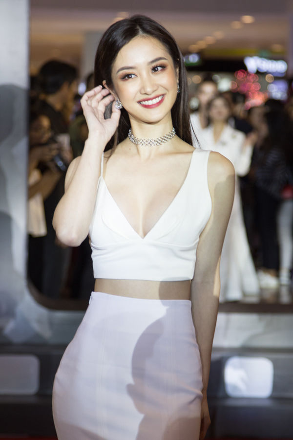 Mỹ nhân Việt đồng loạt diện style áo crop top giải nhiệt ngày hè