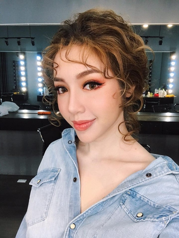 Elly Trần 'ăn gian tuổi'với xu hướng tóc đến từ xứ sở kim chi