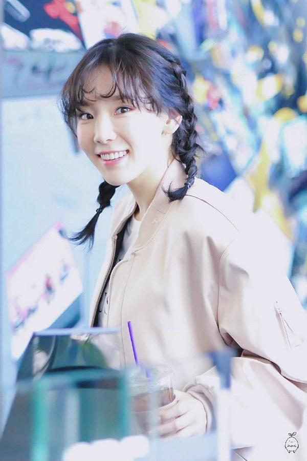 Teayeon tinh nghịch với tóc tết hai bên cùng mái xoăn