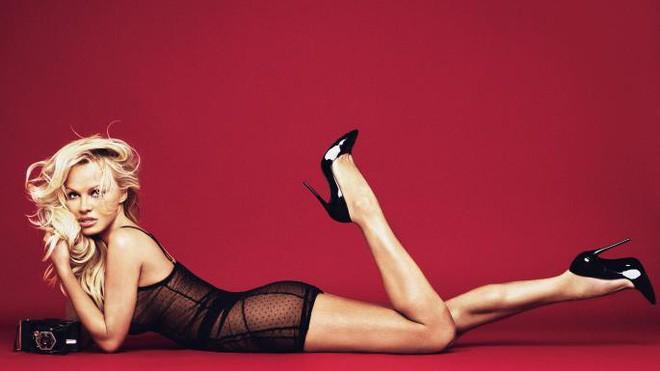 50 tuổi, siêu mẫu Pamela Anderson vẫn khiến gái trẻ phải ghen tị và đây chính là bí quyết giữ dáng của cô - Ảnh 4.