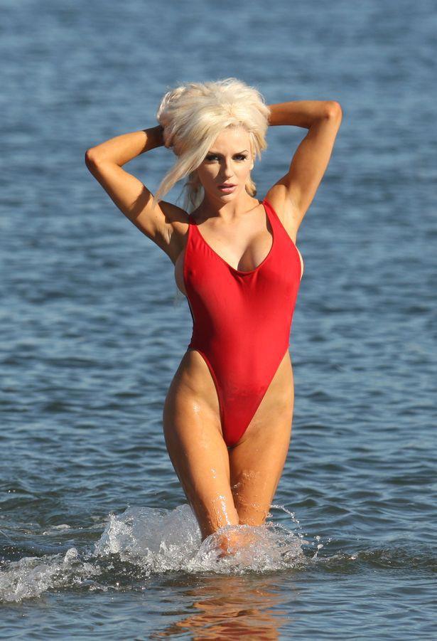 50 tuổi, siêu mẫu Pamela Anderson vẫn khiến gái trẻ phải ghen tị và đây chính là bí quyết giữ dáng của cô - Ảnh 10.