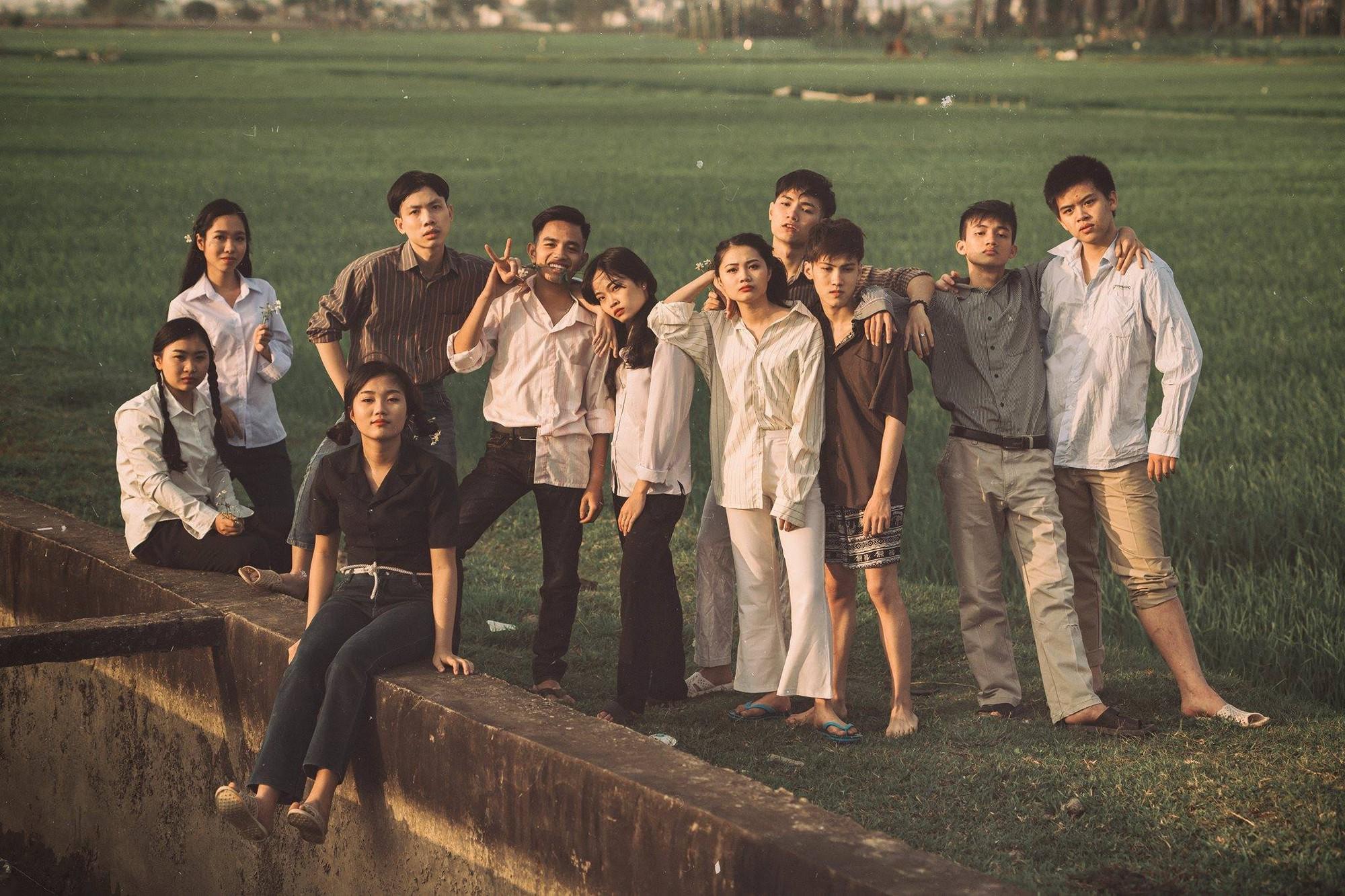 Xem kỷ yếu của nhóm học sinh Ninh Bình mà cứ ngỡ đang thưởng thức phim đi tranh giải Cánh diều vàng - Ảnh 4.
