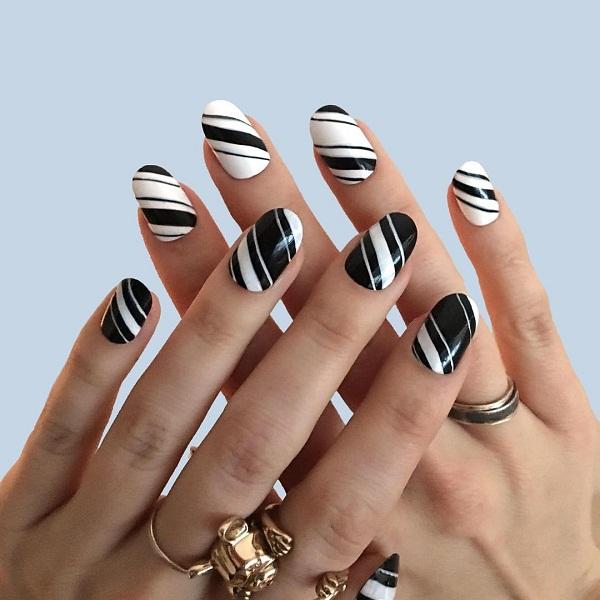 Gợi ý 12 mẫu nail cho cô nàng yêu thích phong cách nổi bật mùa hè 2018 0