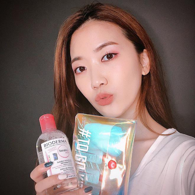 Đừng tưởng chuyên gia makeup toàn dùng đồ xịn, họ cũng dành nhiều yêu thích cho 9 sản phẩm bình dân này - Ảnh 3.