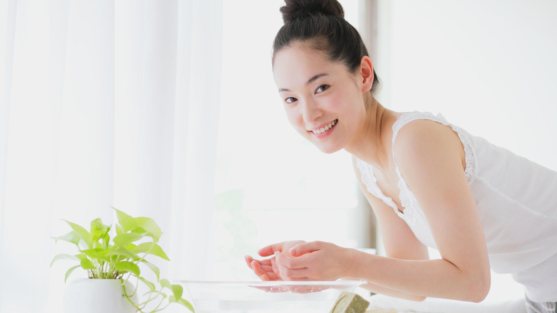 5 sai lầm bạn thường hay mắc phải khiến việc rửa mặt không mang lại hiệu quả - Ảnh 3.