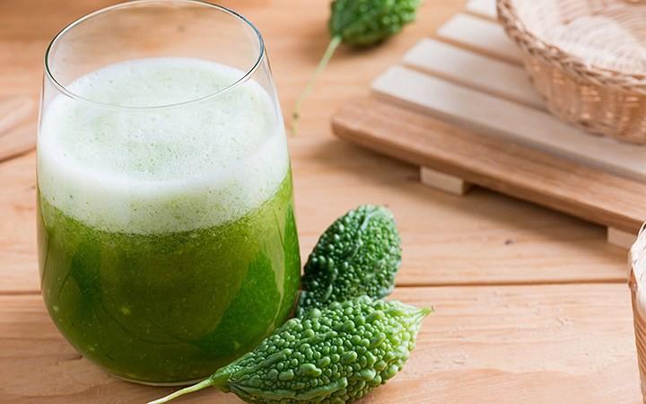 Nước ép mướp đắng cực tốt cho người bệnh tiểu đường và muốn giảm cân - Ảnh 1.