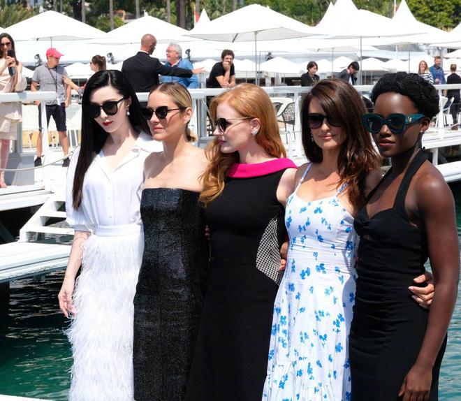Khoảnh khắc gây sốt: Phạm Băng Băng trắng bật tông so với dàn mỹ nhân quốc tế hạng A tại Cannes - Ảnh 5.