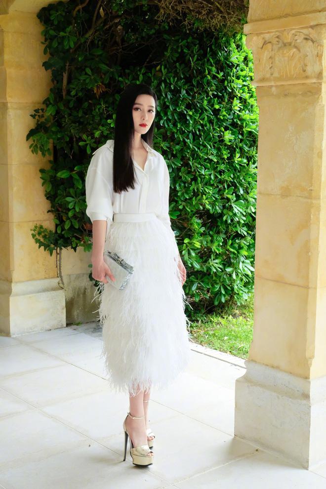 Khoảnh khắc gây sốt: Phạm Băng Băng trắng bật tông so với dàn mỹ nhân quốc tế hạng A tại Cannes - Ảnh 10.