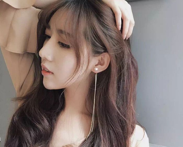 Bestei - Tuyet chieu chon phu kien cho co nang co guong mạt