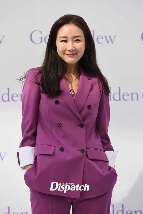 Lần đầu xuất hiện chính thức sau cưới, đại mỹ nhân Choi Ji Woo như bà hoàng tại sự kiện - Ảnh 5.