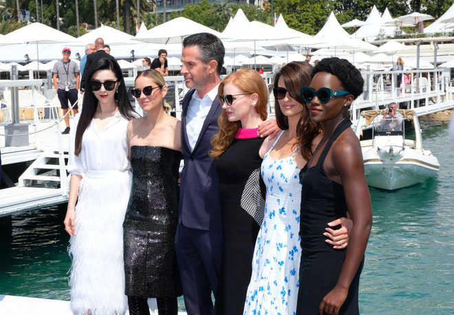 Khoảnh khắc gây sốt: Phạm Băng Băng trắng bật tông so với dàn mỹ nhân quốc tế hạng A tại Cannes - Ảnh 4.